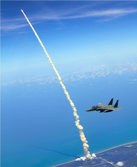 Of Interest to Me: Extraordinary photos of the Space Shuttle launch ...   Fuck Yeah Video Games   Scoop.it