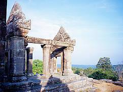 La Directrice générale de l'UNESCO, Irina Bokova, organise une réunion entre le Cambodge et la Thaïlande pour discuter des mesures de conservation concernant le Temple de Preah Vihear, site du patr... | Archéologie et Patrimoine | Scoop.it