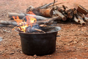 Hillbilly Camping Gear direct on-line sales of blue steel Camp Ovens, frypans and CookStands | To the Kimberleys and back | Scoop.it