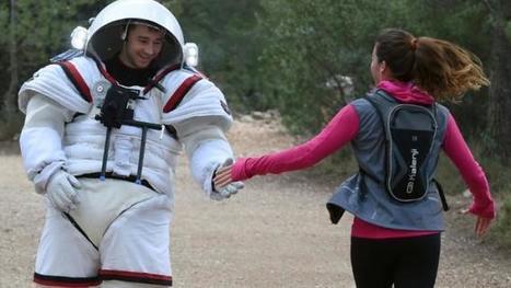 Quand les joggeurs marseillais croisent un astronaute dans les calanques... | Space matters | Scoop.it