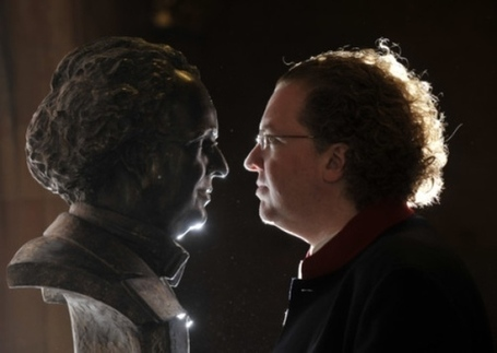 Conductor Stéphane Denève studies his bronze bust at unveiling - News and features - Scotsman.com | Culture Scotland | Scoop.it