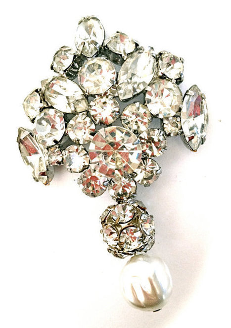 Vintage Rhinestone Brooch ~ Vintage Bridal   vintage jewelry   Scoop.it