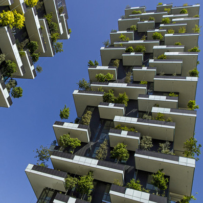 "Stefano Boeri's ""vertical forest"" nears completion in Milan 