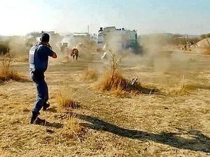 South African police shoot dead striking miners | Tsotsi: South Africa | Scoop.it