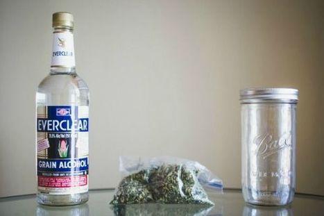 DIY Cannabis Cocktails : Marijuana Vodka | TheVegas420 | Scoop.it