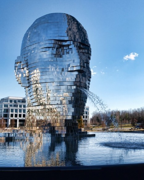 Metalmorphosis Mirror Fountain by David Černý | Colossal | Urban Design | Scoop.it