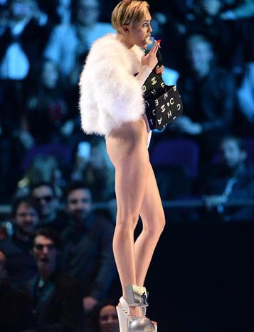 Miley Cyrus a allumé un joint sur la scène des MTV Europe Music Awards - Highway to hell - Célébrités - Le Figaro - Madame. | Commencer le voyage | Scoop.it