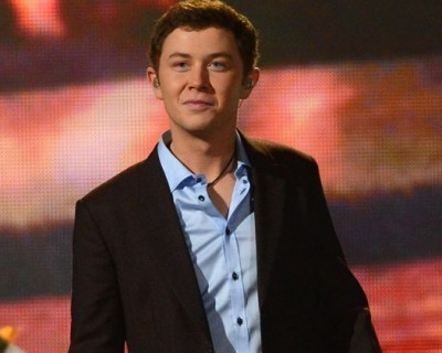 Scotty McCreery's Christmas Album Sells Big as Singer Preps for Busy Holiday | Music Careers | Scoop.it