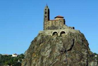 Le rocher d'Aiguilhe en route vers une inscription au patrimoine de l'Unesco | Le Tourisme en Haute-Loire | Scoop.it