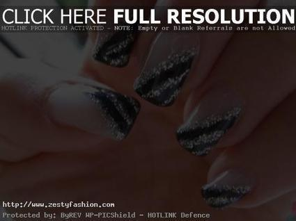 Try Alluring Silver Nail Art Designs - Zesty Fashion | nail art | Scoop.it