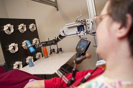 Une personne paraplégique commande un bras robot par la pensée   Ressources pour la Technologie au College   Scoop.it