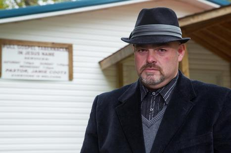 Reality-Show Snake-Handling Pastor Dies -- From Snake Bite - NBC News   Earth and it's highest life forms   Scoop.it