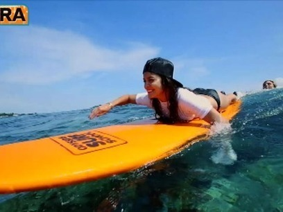Video! Vanessa Hudgens and Ashley Greene Go Surfing - Extra | Surfing, Activity Holidays & Wellness | Scoop.it