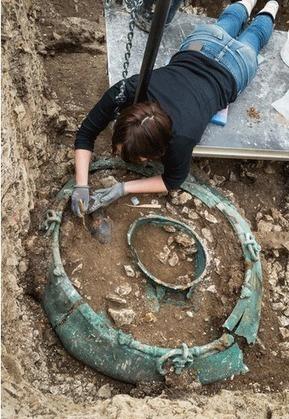 Celtic Tomb Sheds Light on Iron Age Trade - Archaeology Magazine | Histoire et archéologie des Celtes, Germains et peuples du Nord | Scoop.it