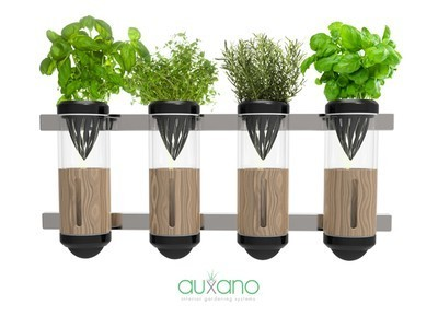 Compact Window Hydroponic Gardening System Fits Tight Urban Spaces   Vertical Farm - Food Factory   Scoop.it