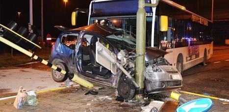 Drie zwaargewonden na aanrijding met bus De Lijn | actua cedric | Scoop.it