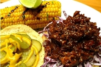 Vegan BBQ pulled jackfruit with coleslaw and a chipotle butter and lime corn on the cob | My Vegan recipes | Scoop.it
