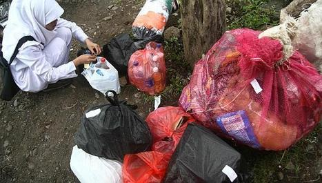 Indonesia Poor Swap Garbage for Healthcare - The Jakarta Globe   Indonesian Language and Culture   Scoop.it
