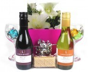 The Best Engagement Gift Ideas for Women or Couple You Can Find | on line gift shop | Scoop.it