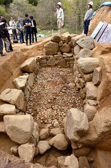 Stone chamber for 'nobles' found at burial site in Nara Prefecture | The Archaeology News Network | Kiosque du monde : Asie | Scoop.it