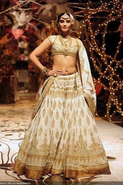 White and Gold Wedding Inspiration | Shaadi Bazaar | Weddings | Scoop.it