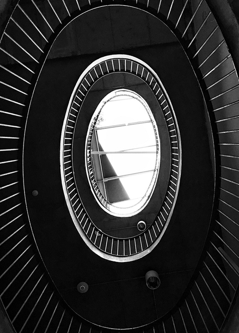 Showcase of 10 iPhone Photos That Use Lines and Curves | technology | Scoop.it