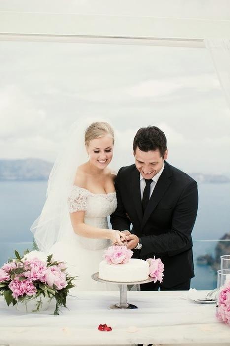 Romantic Destination Wedding in Santorini, Greece - Belle the ... | Weddings | Scoop.it