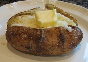 Perfect Baked Potatoes, How To Make Perfect Baked Potatoes, How To Bake Potato, Baking Potatoes, Baked Potato Recipe, Oven Baked Potato, How To Purchase Potatoes, Potato Recipes | My best recipes! | Scoop.it