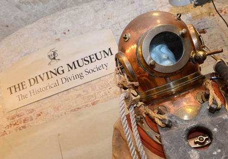 UK: RN Divers, Bomb Disposal Experts Raise Funds for Diving ... | ScubaObsessed | Scoop.it