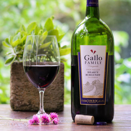 Hearty Burgundy Gallo Family Vineyards | Wine labels | Scoop.it
