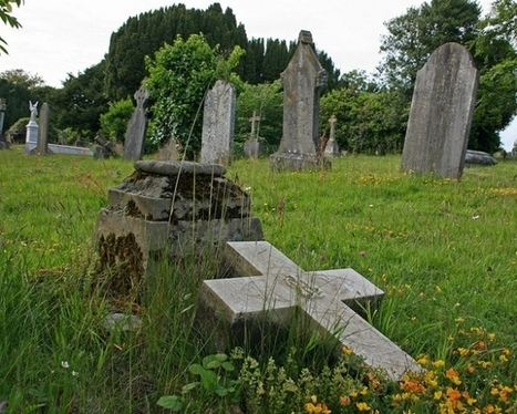 QR Code Gravestones Share Pictures And Biographies Of The Departed - PSFK | QR Code Cemetery | Scoop.it