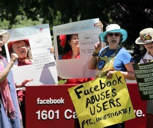 Wait a second, Facebook: consumer groups urge company to avoid making its proposed privacy changes | Trends, directions, future... | Scoop.it