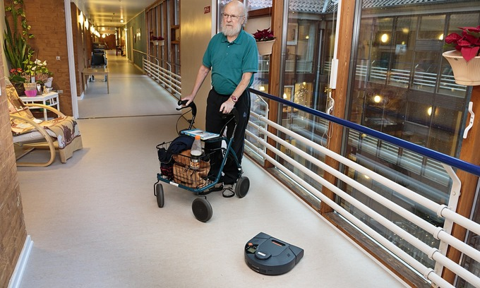 Denmark's robotic helpers transform care for older people   real utopias   Scoop.it