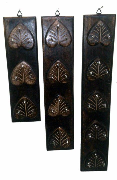Wooden Key Holder In Heart Shape | Ca151 | Centenarian Art Crafts Buy Online Free Shipping Cod Onlineshoppee Buy Online Wooden Products | Onlineshoppee | Scoop.it