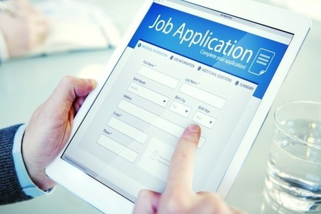 When Hunting For a Job, American Workers Start by Heading to the Internet   HR Strategy   Scoop.it