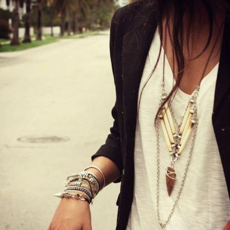 Wearing Jewelry: Tips and Guide - Selfie Style. Fashion blog by Tatiana Ceballos | Tiger People Clothiers | Scoop.it