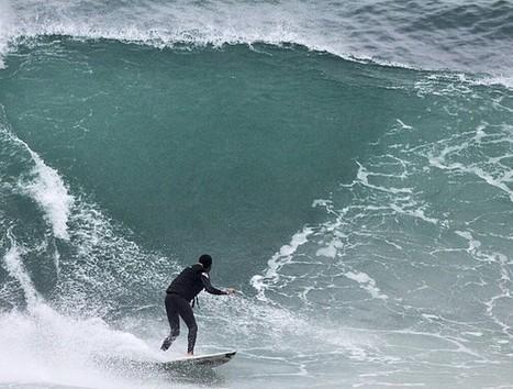 Cego, brasileiro destrói limites, surfa em Pipeline e ganha telas de cinema | esportes | Scoop.it