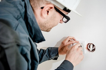 Important Questions to Ask an Electrician Before Hiring Them | Mr. DIY Guy | Scoop.it