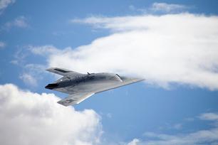 Navy's Robot Warplane Tests Its 'Brains' for Midair Refueling   Northrop Grumman X-47B Drone   Space.com   Robots and Robotics   Scoop.it