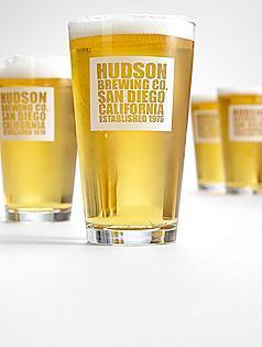 Personalized Brewing Co. Pub Glasses - Christmas Gifts | Christmas Gifts For Every Occasion | Scoop.it