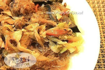 Pancit Sotanghon Guisado Recipe | Delicious Filipino Foods | Scoop.it