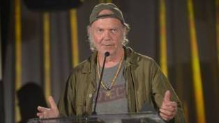 Neil Young retrouve ses accents militants et s'en prend à Monsanto | Questions de développement ... | Scoop.it