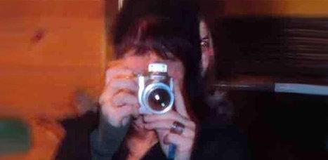 Ein Gespenster-Selfie geistert durchs Internet | Strange days indeed... | Scoop.it