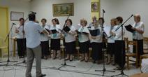 Με επιτυχία το αφιέρωμα στον Τσιτσάνη και τον Θεοδωράκη από τη χορωδία Αγίου Θωμά Τανάγρας. | tanagra | Scoop.it
