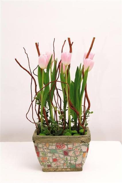 Flower arrangement with Tulips | Flowers | Scoop.it