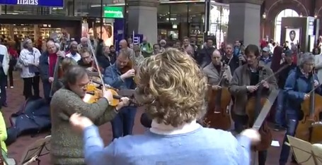 The Copenhagen Philharmonic produce a brilliant piece of music in Flash mob musical | The 21st Century | Scoop.it