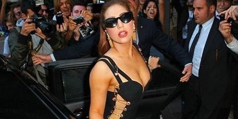 Lady Gaga testimonial di Versace? Per ora è solo gossip | Moda Donna - sfilate.it | Scoop.it