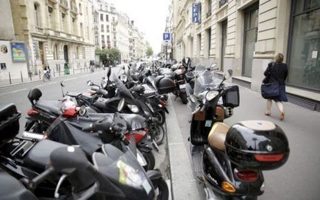 Deux-roues mal garés à Paris : plus de 100.000 PV distribués | Scooter's news | Scoop.it