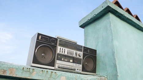 The Enduring Power of Radio in the Digital Age | Mashable | Radio Hacktive (Fr-Es-En) | Scoop.it