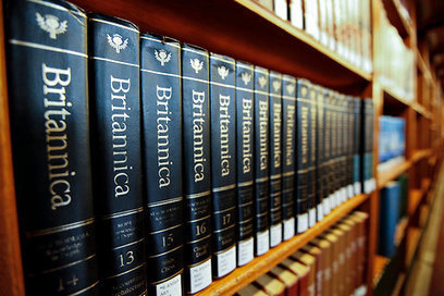 After 244 Years, Encyclopaedia Britannica Stops the Presses | Understanding Social Media | Scoop.it